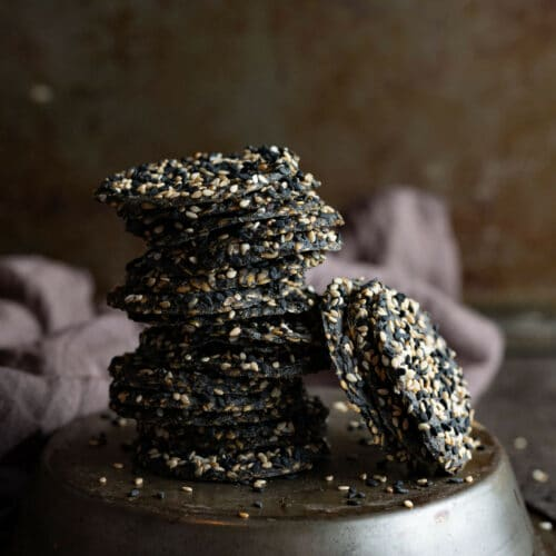 Black Sesame Daikon Crackers (Dehydrated)